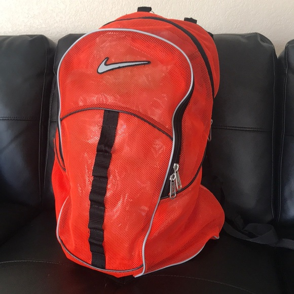 4a886b5ec37f 🎒Nike Brasilia orange Mesh Backpack 🎒. M 5ba65bb3819e90bf6b23b5b6